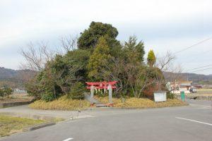 日本一低い弁天山(6.1m)全景(2016.2)