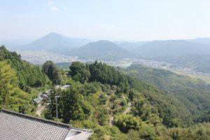 高山集会所手前のへんろ道から大洲の町を一望(2017.9)