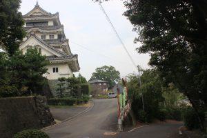 川島城脇を通り「あわらくや」へ(2019.10)